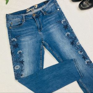 Seven7 embroidered skinny jeans size 12